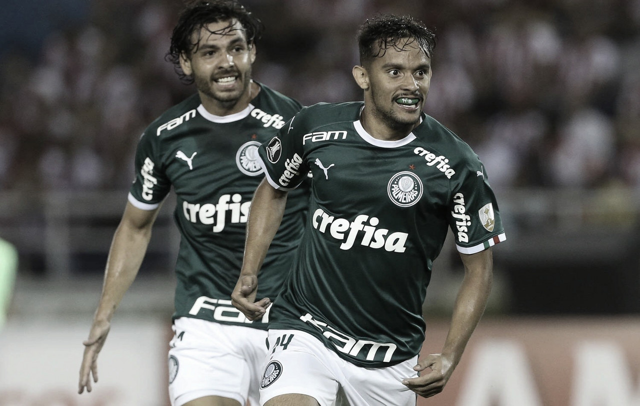 Com um jogador a mais, Palmeiras vence Junior Barranquilla na estreia da Libertadores