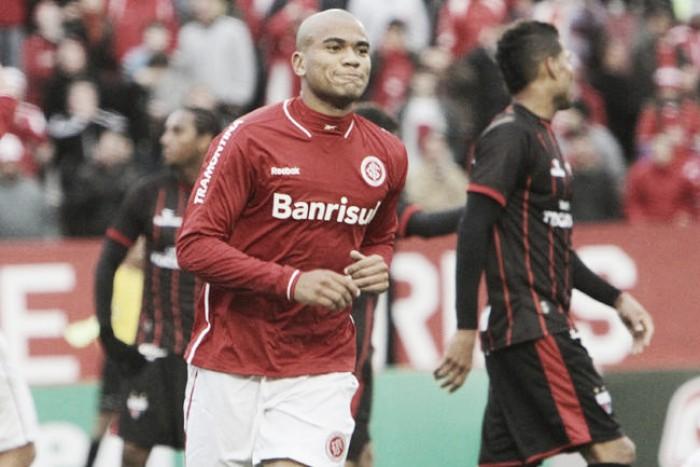 Inter anuncia acordo com Moledo e se reforçará com zagueiro em julho
