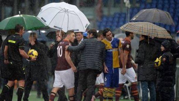 Partida entre Roma e Parma é adiada por conta da chuva