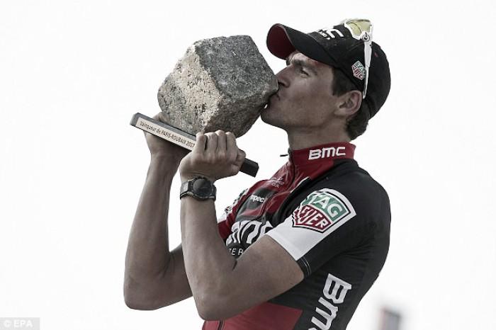 Ciclismo, Van Avermaet vince la Parigi-Roubaix, quinto Gianni Moscon