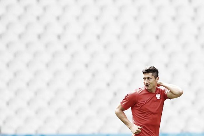 """Lewandowski analisa desempenho diante da Alemanha: """"Foi uma pena não termos marcado"""""""