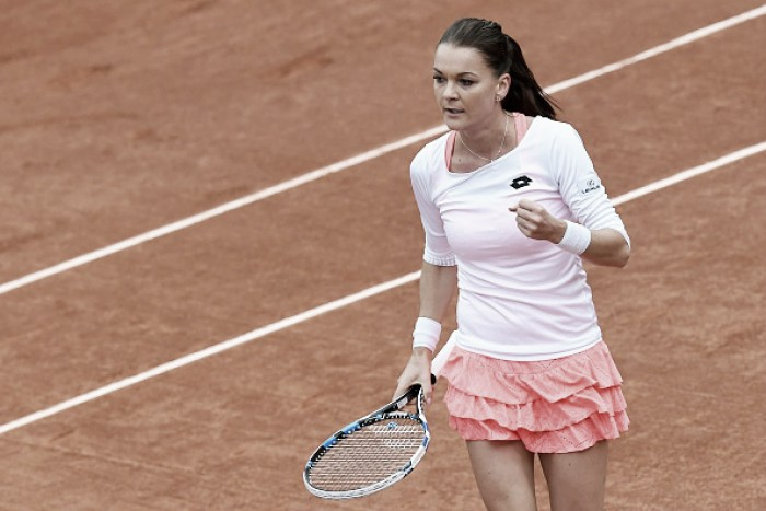 Radwanska cede apenas dois games e avança em Roland Garros