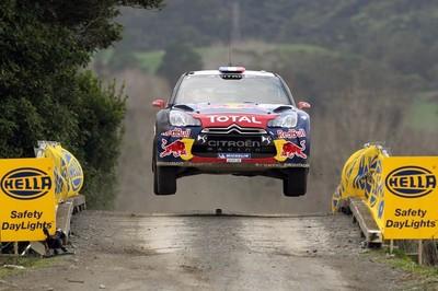 Loeb se coloca al frente del Rally de Finlandia