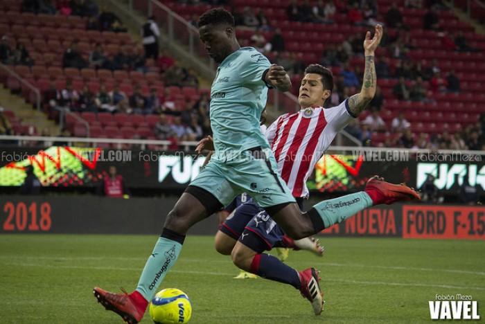 Santos domina y doblega a Chivas