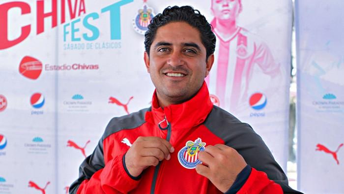 Luis Camacho, el pastor de las futbolistas soñadoras
