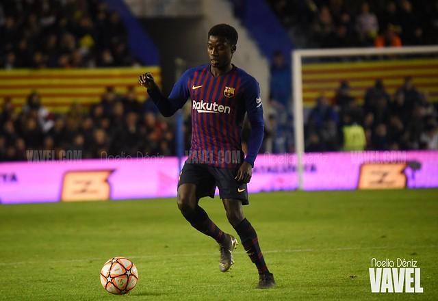 Oficial: Wagué asciende a la primera plantilla del FC Barcelona