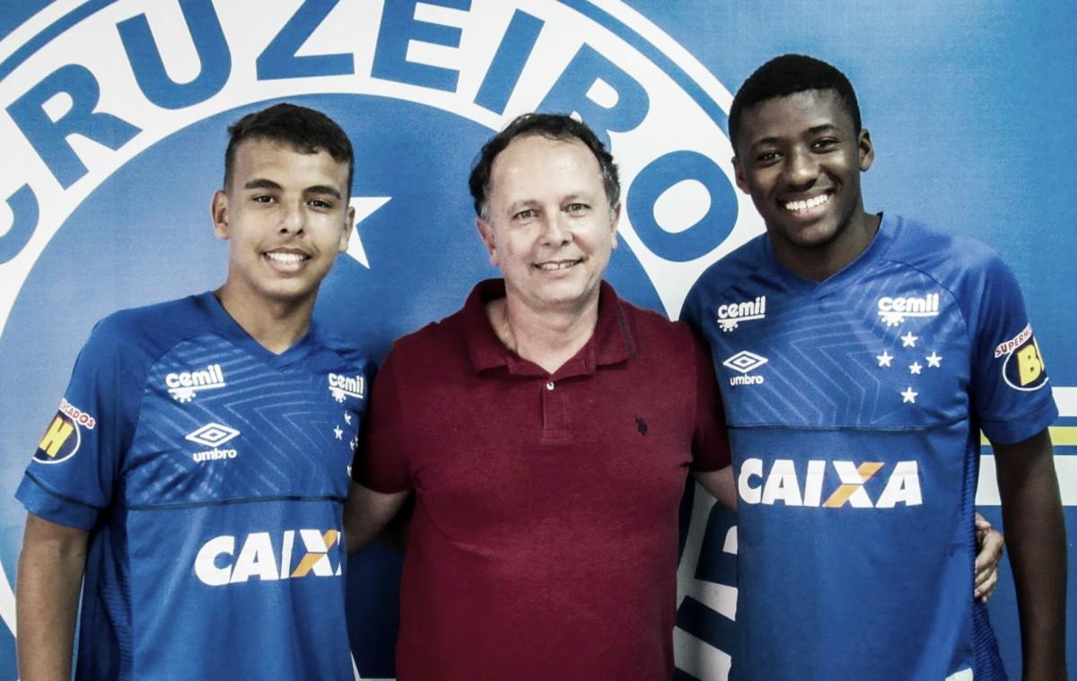 De olho no futuro, Cruzeiro renova contrato com artilheiro Vinícius Popó e zagueiro Cesár