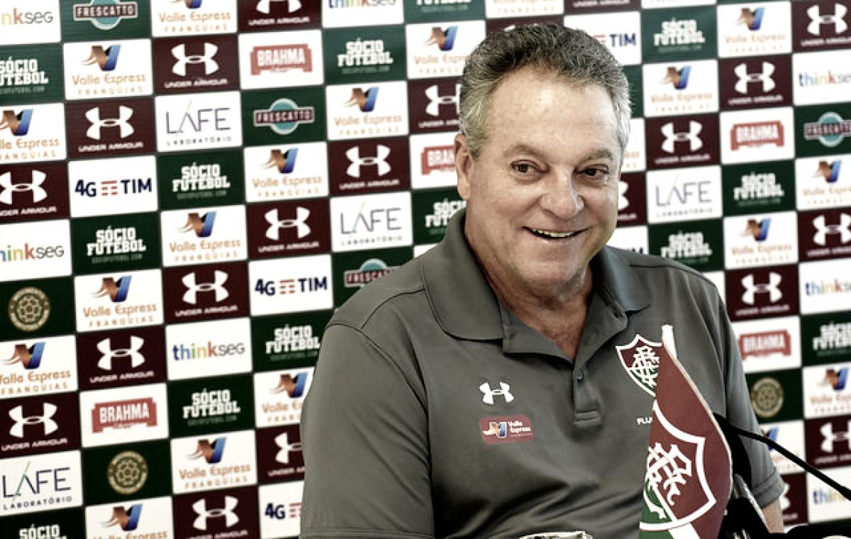 """Abel comenta sobre convite do Flamengo e afirma ser feliz no Flu: """"Se eu deixar de ser, eu mudo"""""""