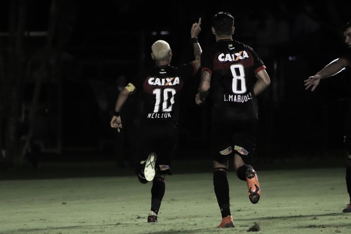 Vitória bate Chapecoense, volta a vencer após três jogos e deixa zona de rebaixamento