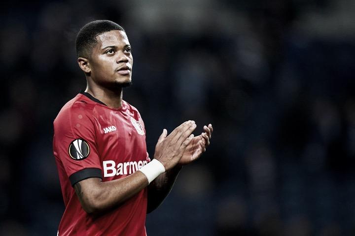 Tottenham Hotspur e Everton intensificam conversas para a contratação do atacante Leon Bailey