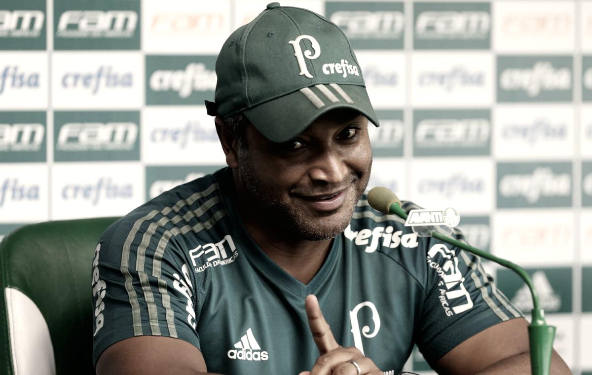 Roger Machado esconde escalação do Palmeiras para Derby e agradece apoio da torcida