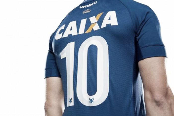 """Nova terceira camisa """"monocromática"""" do Cruzeiro ganha previsão de estreia 03b9d953ce217"""