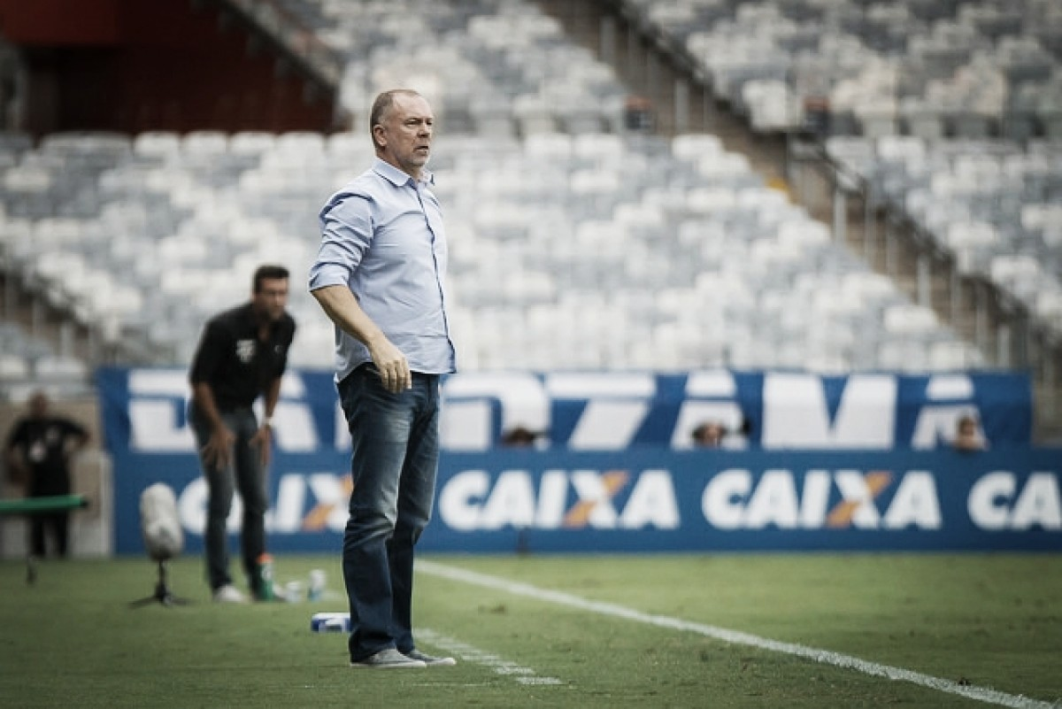 Mano Menezes destaca atuação do Cruzeiro contra Botafogo: ''Venceu quem jogou melhor''