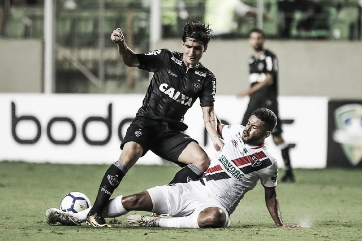 """Gustavo Blanco vê evolução do Atlético-MG, mas prega respeito ao Cruzeiro: """"Será um jogo difícil"""""""