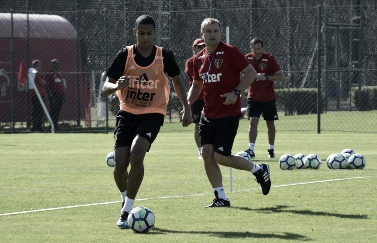 Bruno Alves ganha nova chance no time titular com suspensão de Anderson Martins