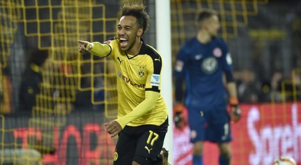 Il Borussia Dortmund non molla la presa: 4-1 a Francoforte