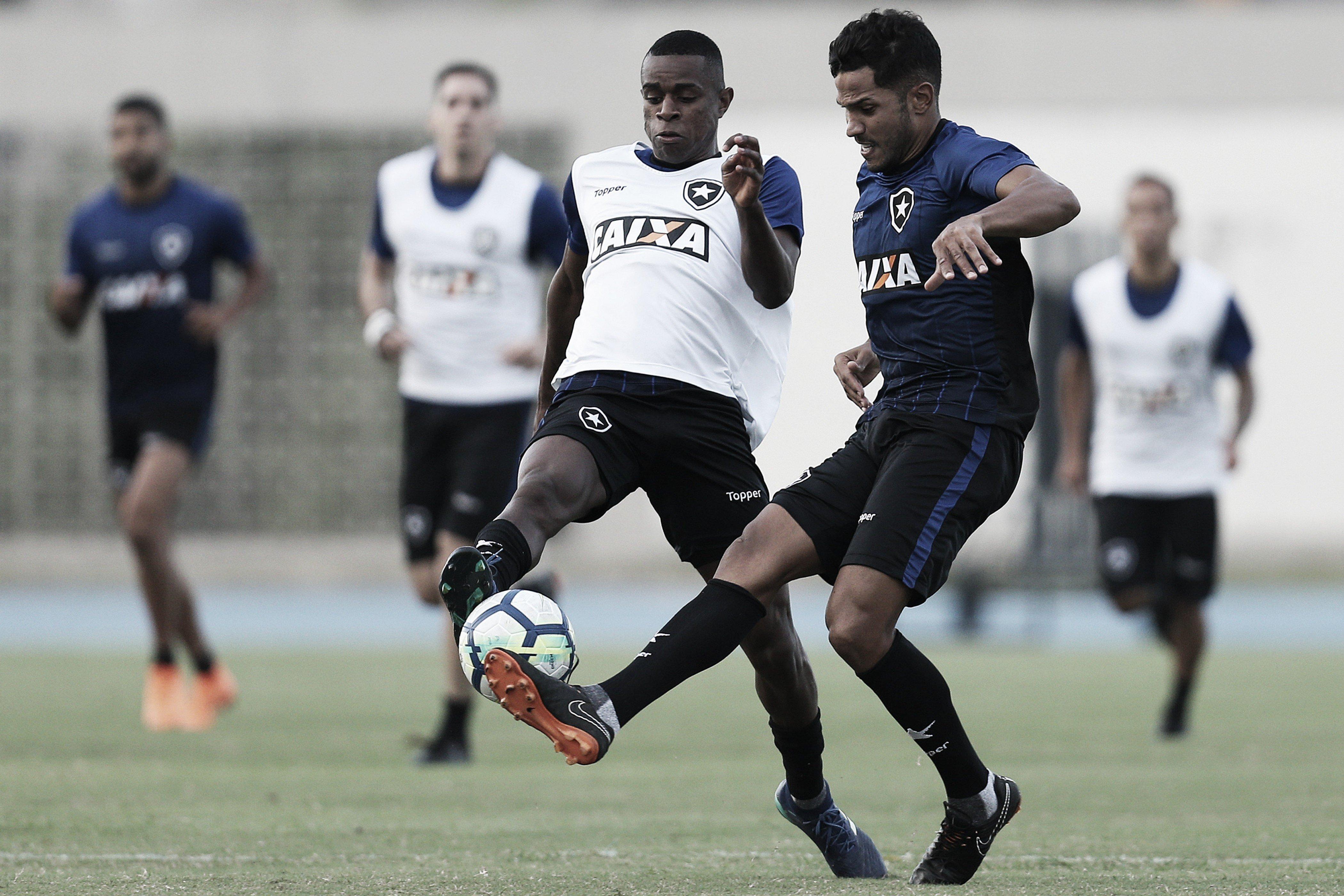 Yago não se recupera de lesão e Marcelo deve ser titular do Botafogo no clássico
