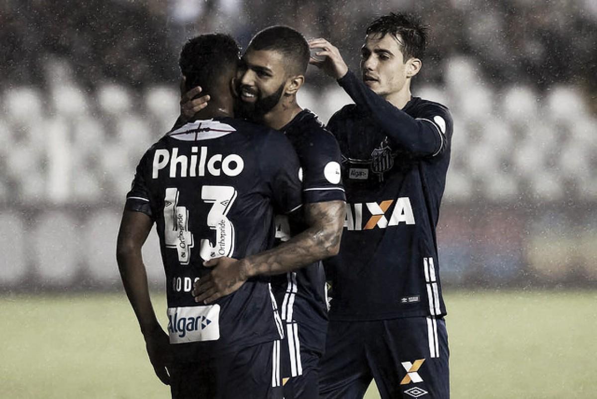 """Gabigol espera tranquilidade após goleada do Santos: """"Precisávamos vencer"""""""