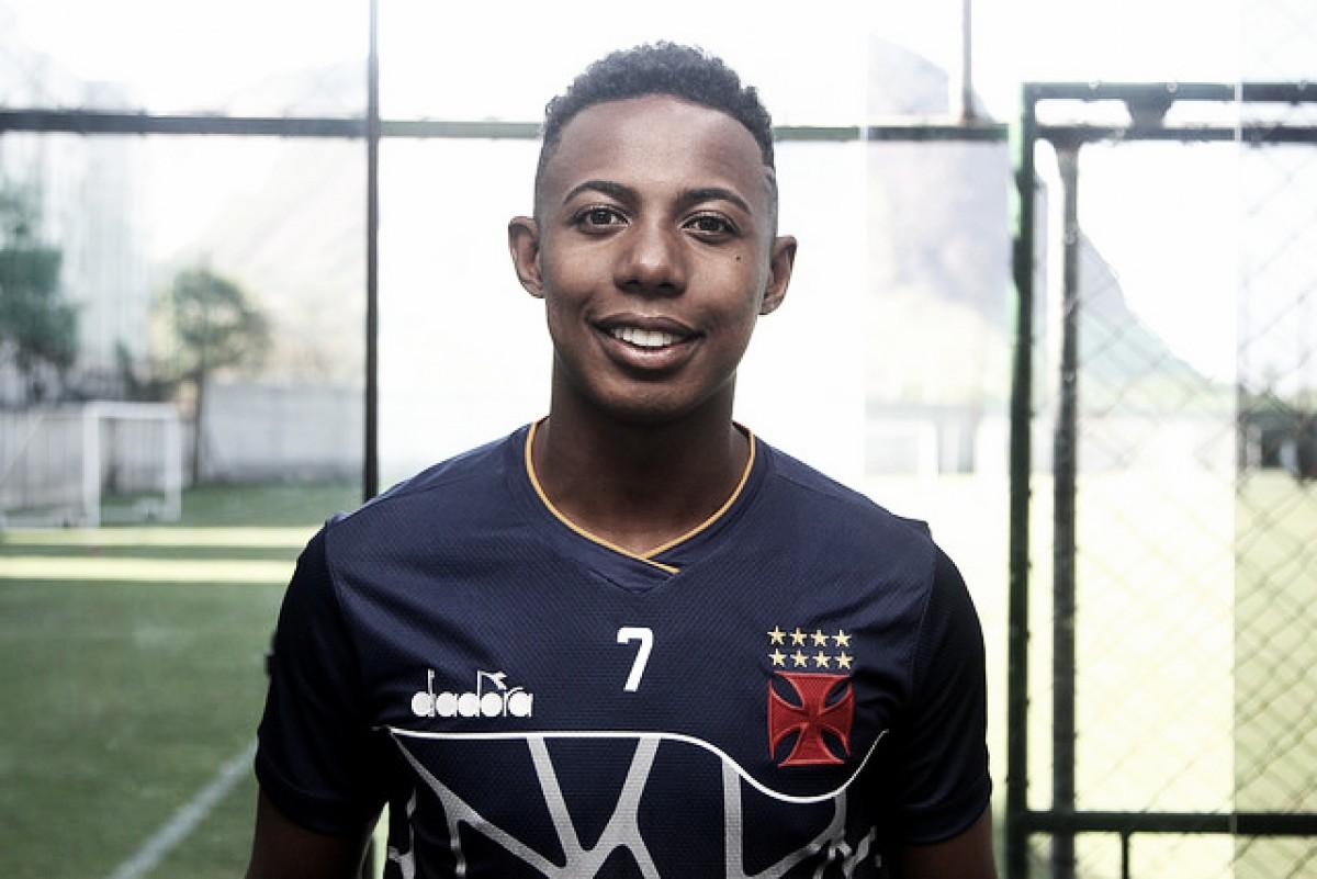 Vasco libera Wellington, que depende de exames para assinar com Atlético-PR