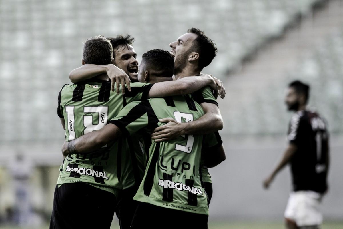 América-MG vence Atlético-PR de virada e mantém excelente desempenho como mandante