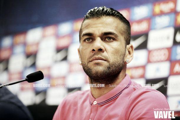 Barcelona: Daniel Alves «perto de assinar por outro clube»