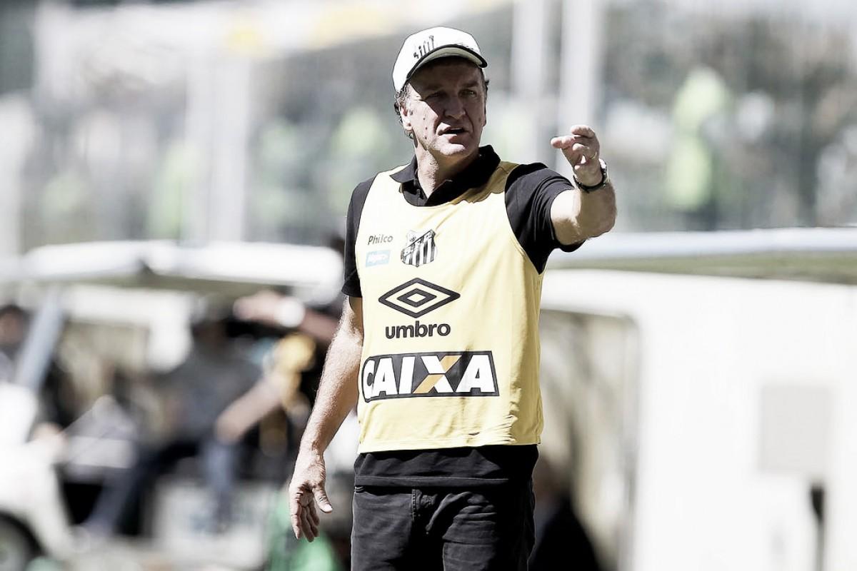 """Cuca assume responsabilidade após derrota do Santos: """"Pode pôr na minha conta"""""""