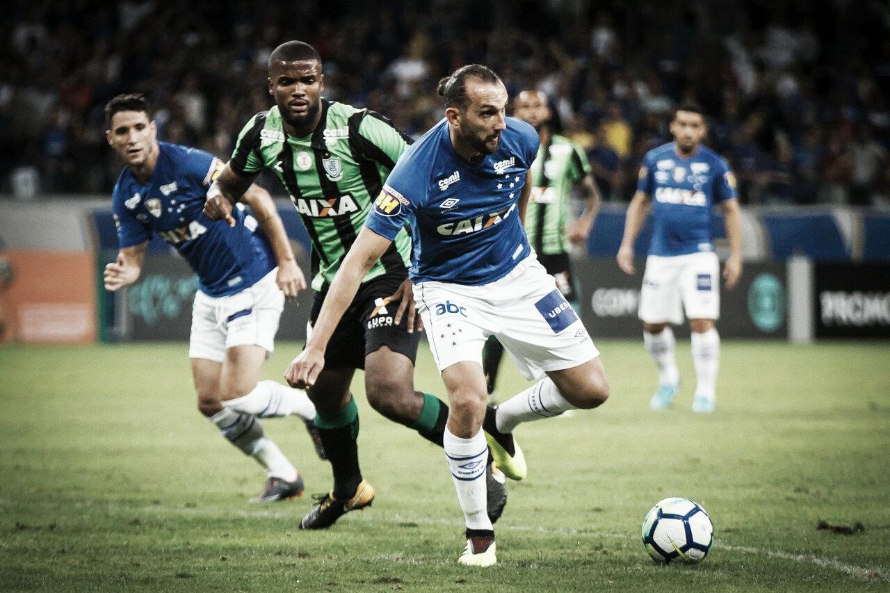 Em momentos opostos, América-MG recebe Cruzeiro no Independência