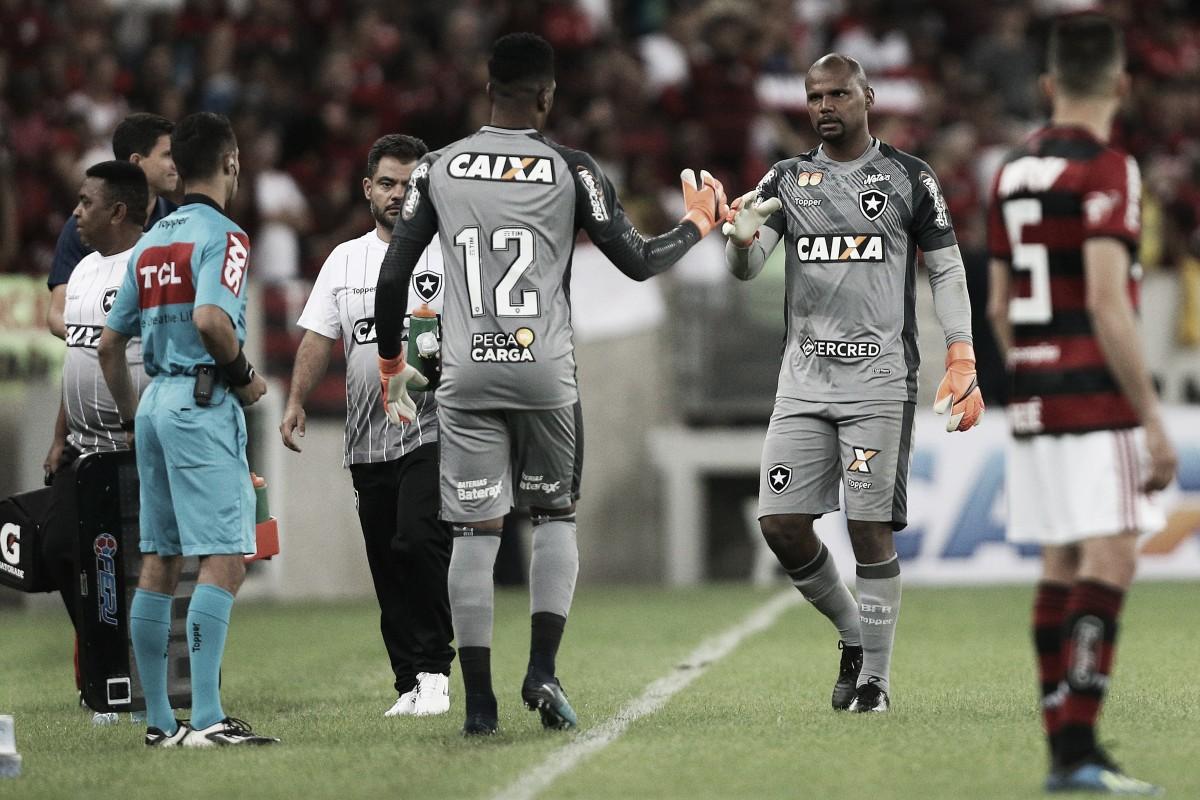 Bruxa solta: Terceiro goleiro do Botafogo terá missão de substituir lesionados Jefferson e Gatito Fernández