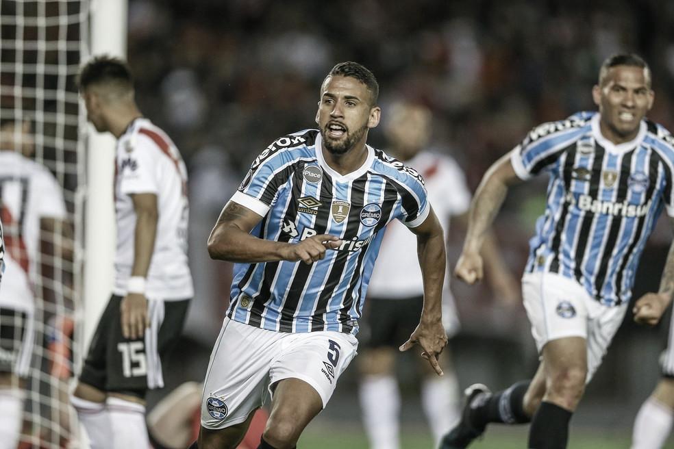 Michel e Thonny Anderson se despedem do Grêmio