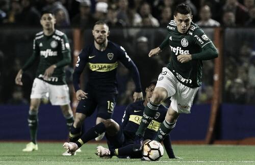 Benedetto brilha, Boca vence Palmeiras e leva vantagem na semi da Libertadores