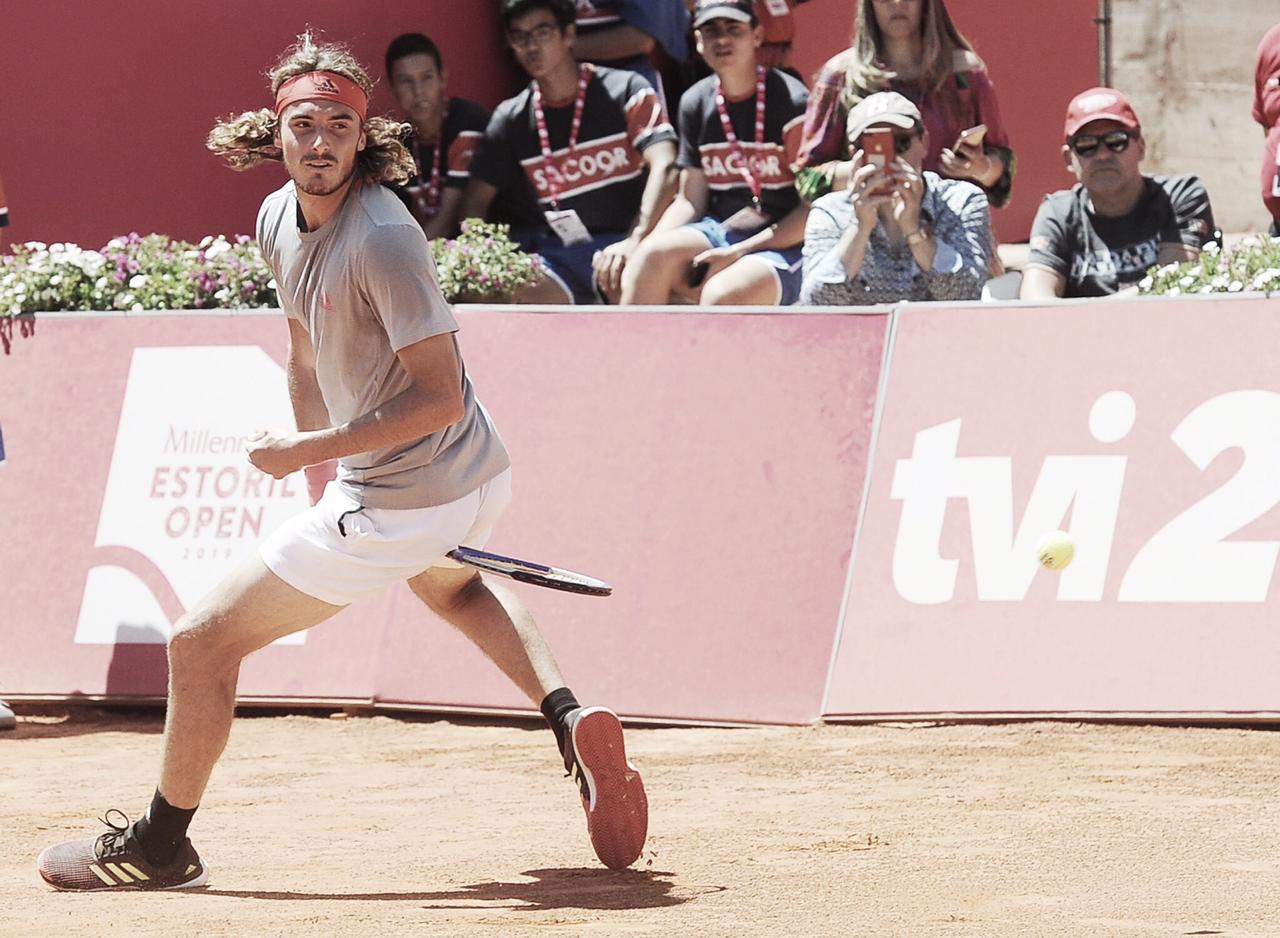 Tsitsipas vence Domingues e está classificado para a semifinal do ATP 250 de Estoril