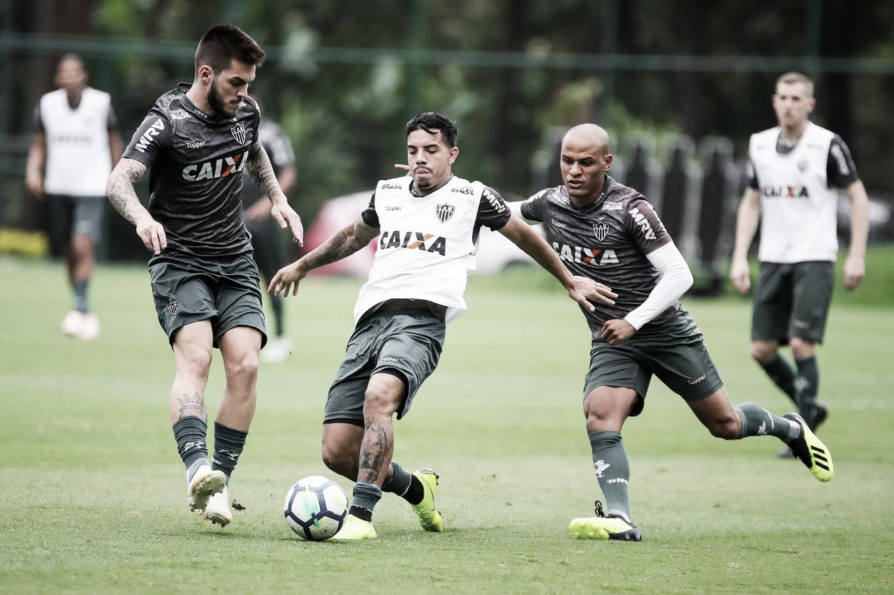 De olho no Grêmio, Levir testa Galdezani e Terans entre os titulares no Atlético-MG