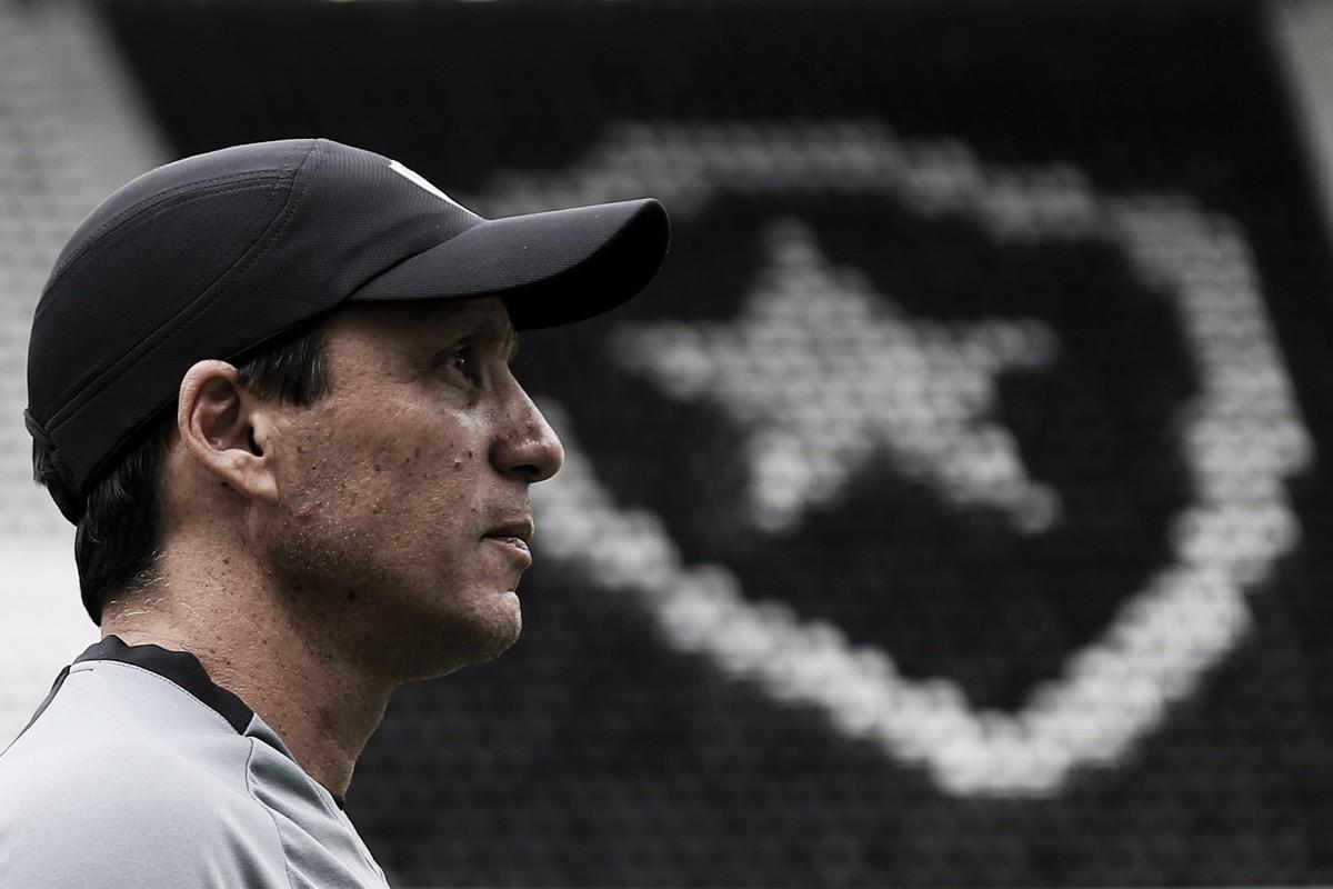 """Apesar de classificação do Botafogo, Zé Ricardo critica: """"Demos espaço, precisamos melhorar nisso"""""""