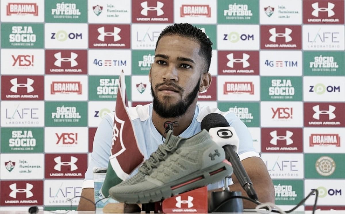 """Ainda sem marcar pelo Fluminense, Everaldo afirma: """"Tenho me cobrado bastante"""""""