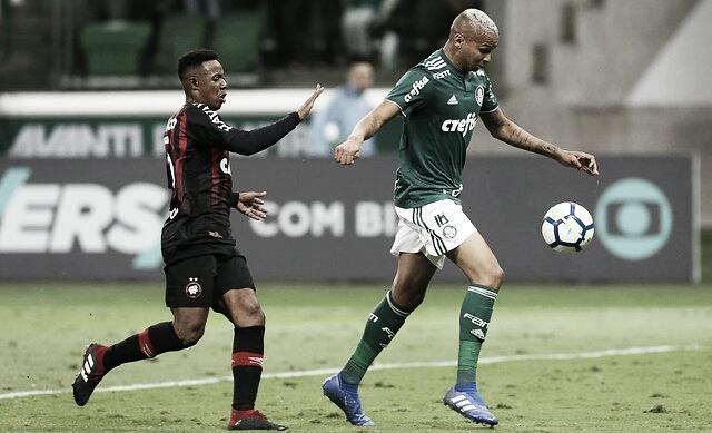 Palmeiras e Athletico-PR se enfrentam pelo Brasileiro com desfalques