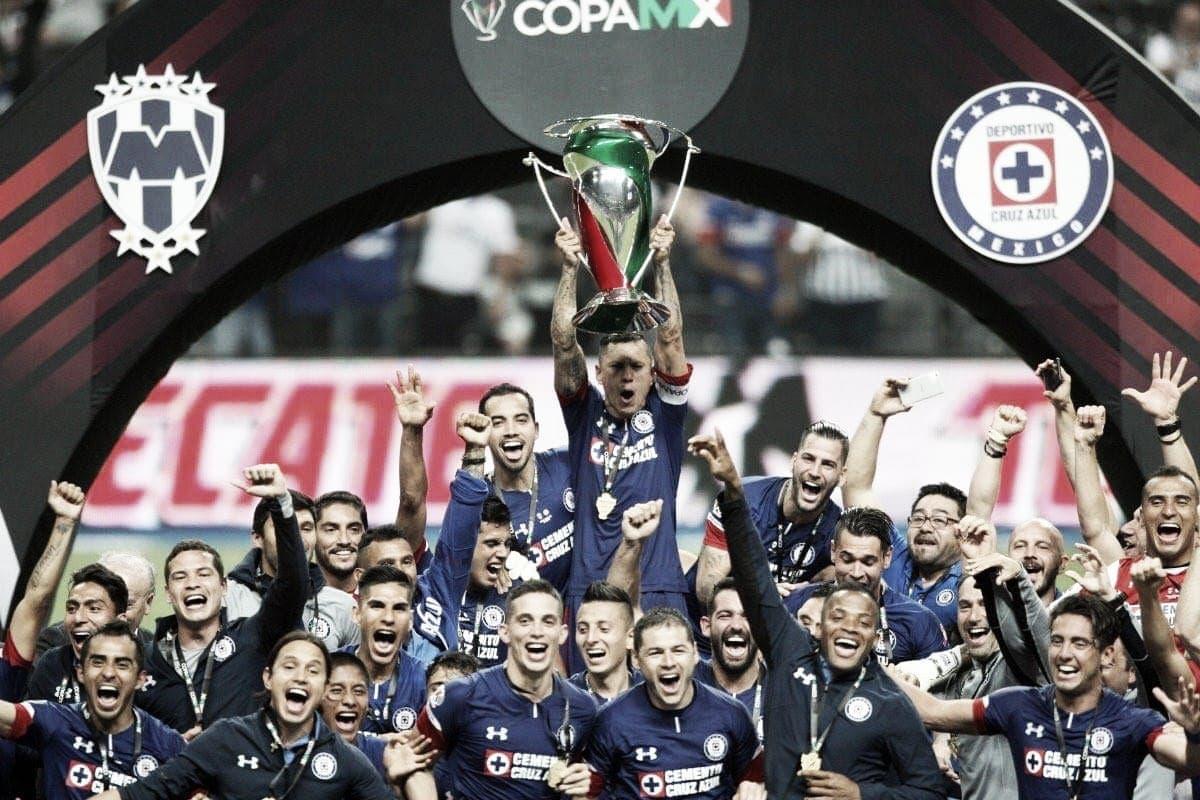 J. Corona y E. Hernández ahora van por la Liga con Cruz Azul