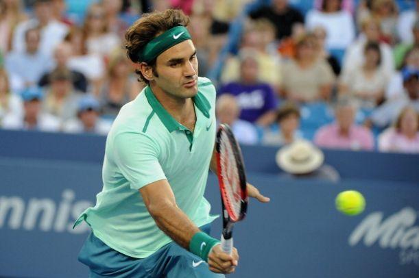 Murray da muchas concesiones a un sólido Federer