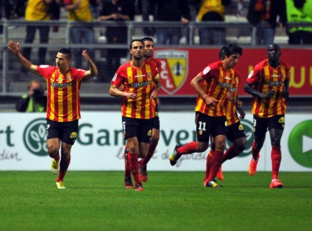 Dos penaltis deciden a favor del Lens