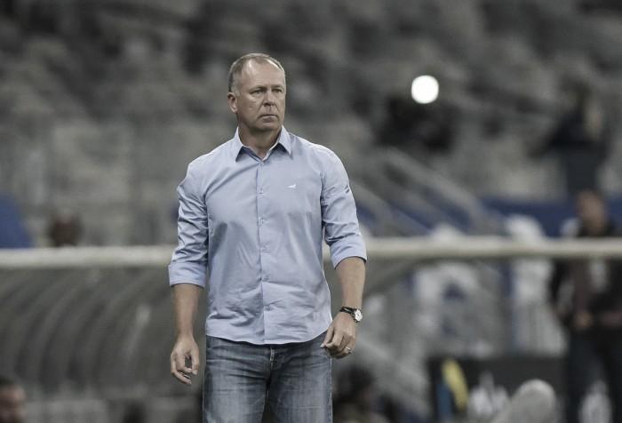 Apesar de mercado bastante rotativo, Mano Menezes completa um ano no Cruzeiro