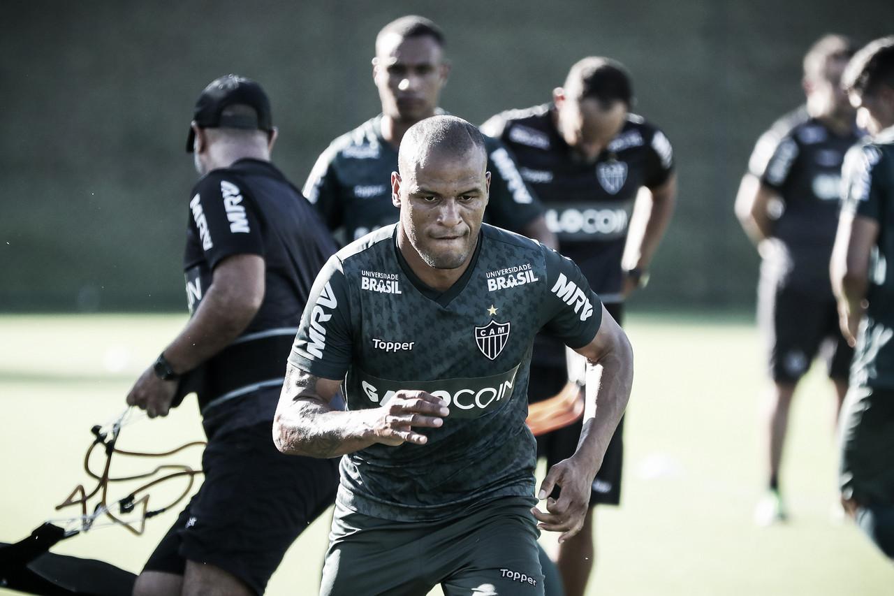 Atlético-MG estende vínculos do lateral Patric e do volante Lucas Cândido; Nathan é reintegrado
