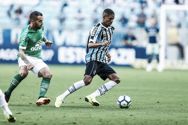 Com dúvidas na escalação, Grêmio recebe Chapecoense em Porto Alegre