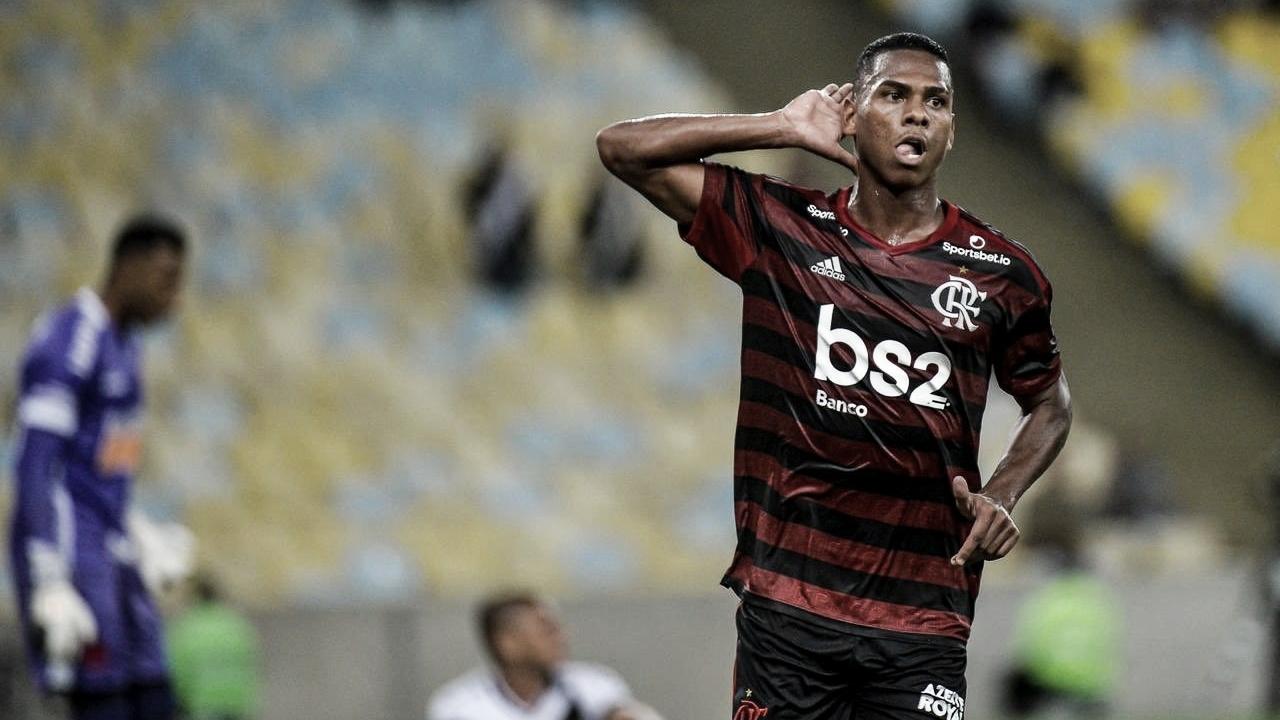 Lucas Silva decide, e Flamengo vence o Vasco no primeiro clássico carioca do ano