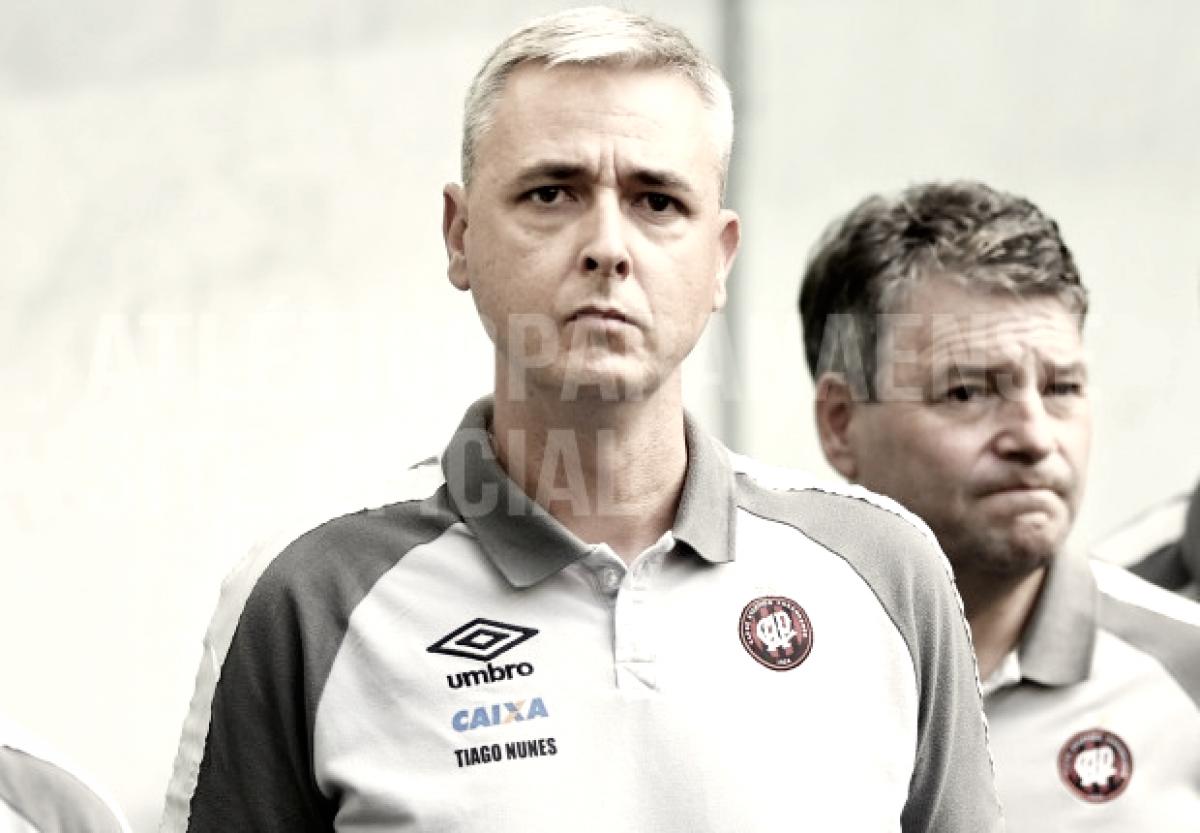 """Campeão, Tiago Nunes cita única derrota na competição: """"Combustível para o título"""""""