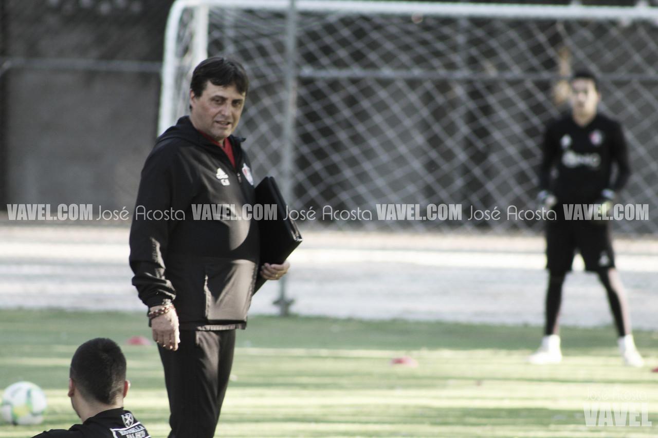 """Guillermo Hoyos: """"Los jugadores lo dejaron todo"""""""