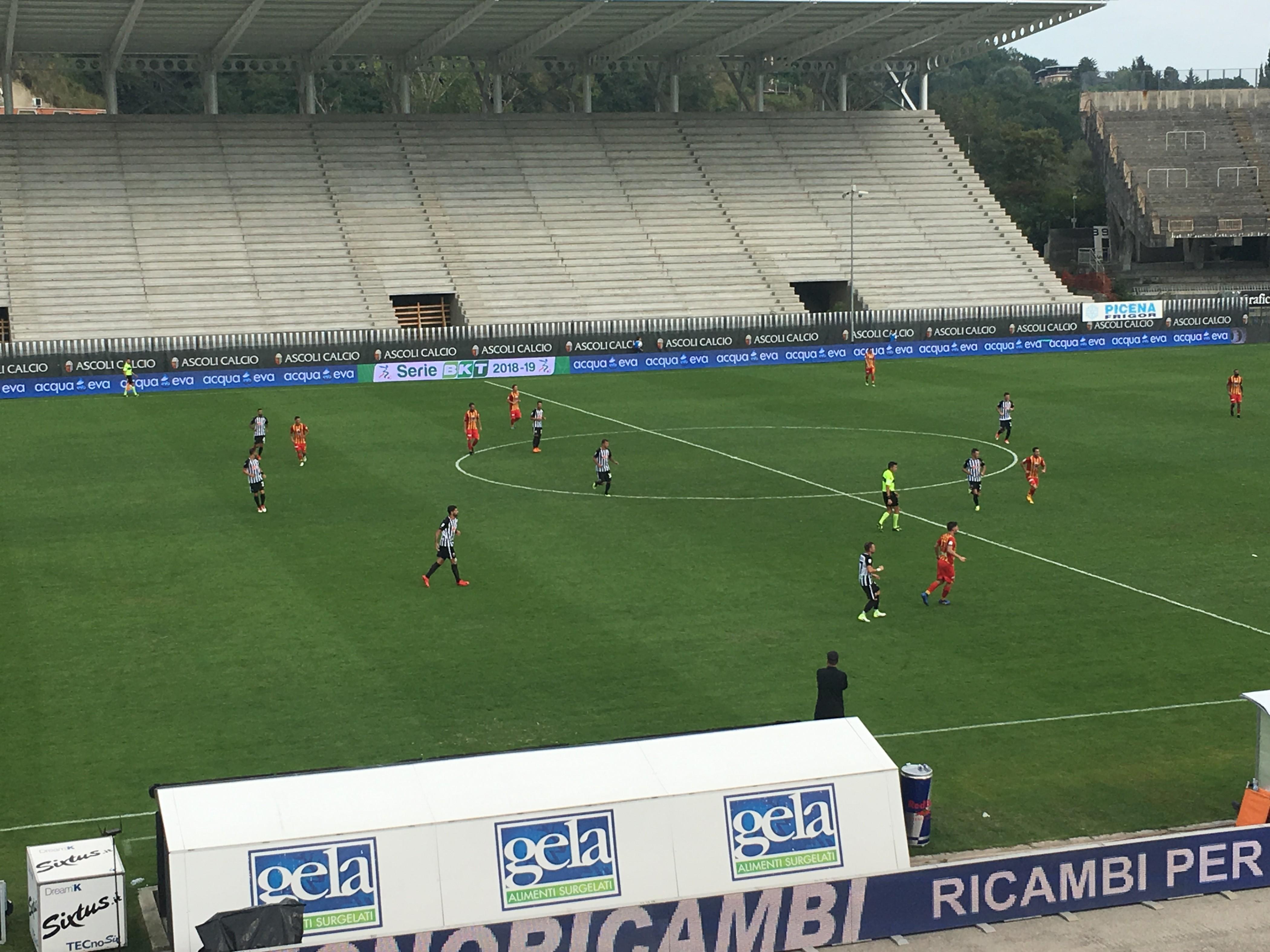Serie B - Ardemagni atterra il Lecce, vince l'Ascoli (1-0)