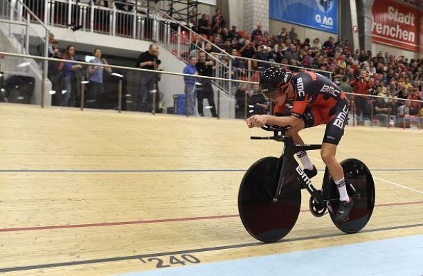 Ciclismo, Record dell'Ora: Rohan Dennis fissa il nuovo limite