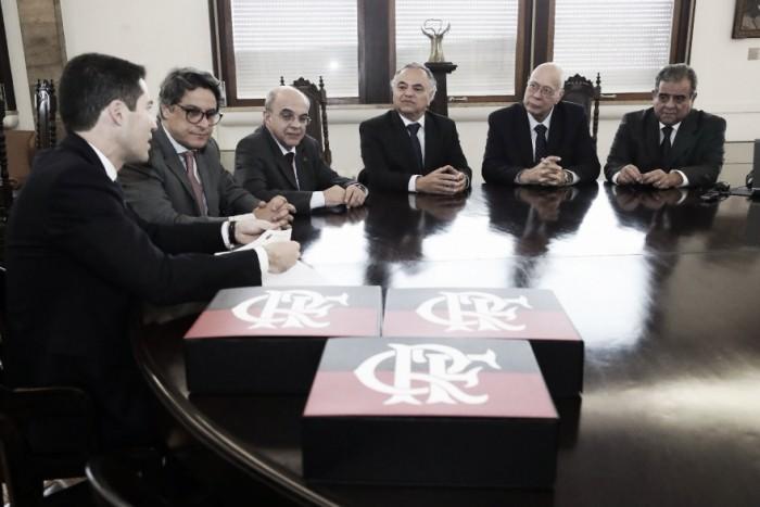 Flamengo quita R$130 milhões em dívidas e oficializa saída do Ato Trabalhista