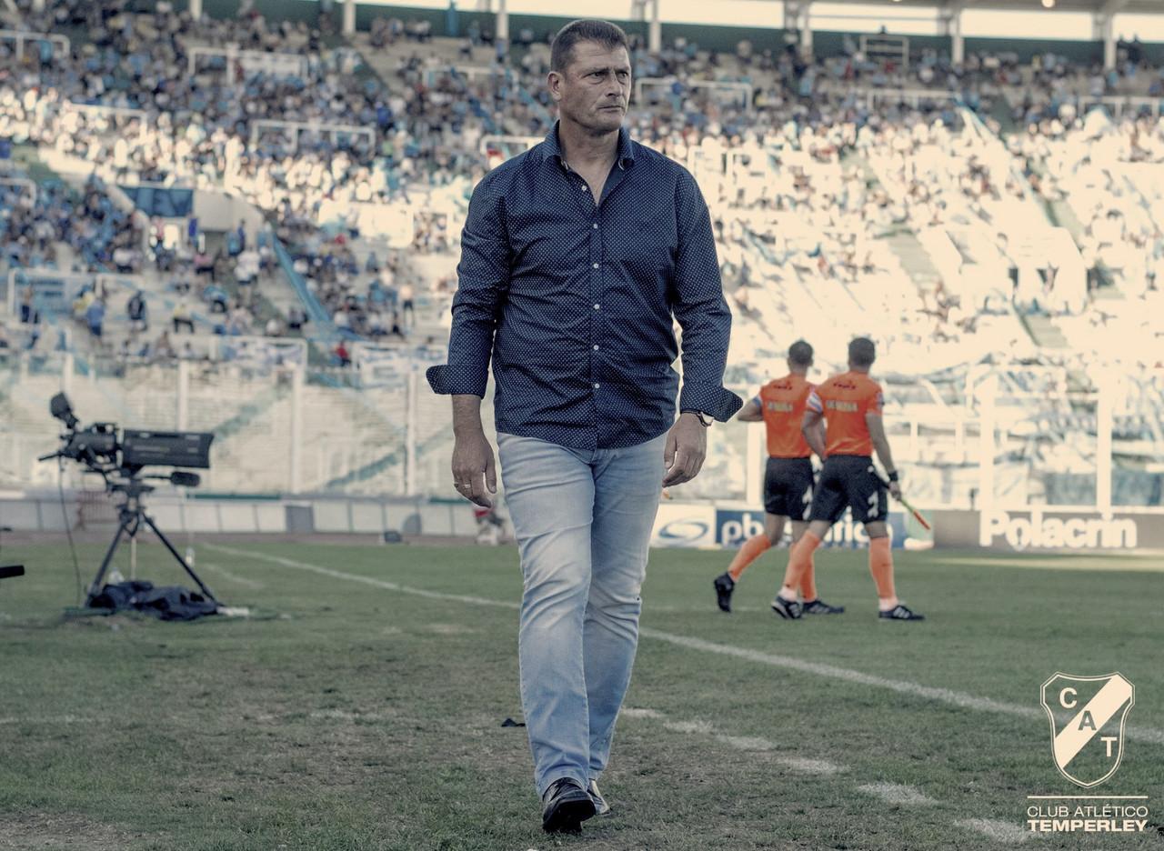 """Cristian Aldirico: """"Vamos a intentar traer un delantero más"""""""