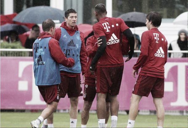 Boateng e Lewandowski se desentendem em treino do Bayern de Munique