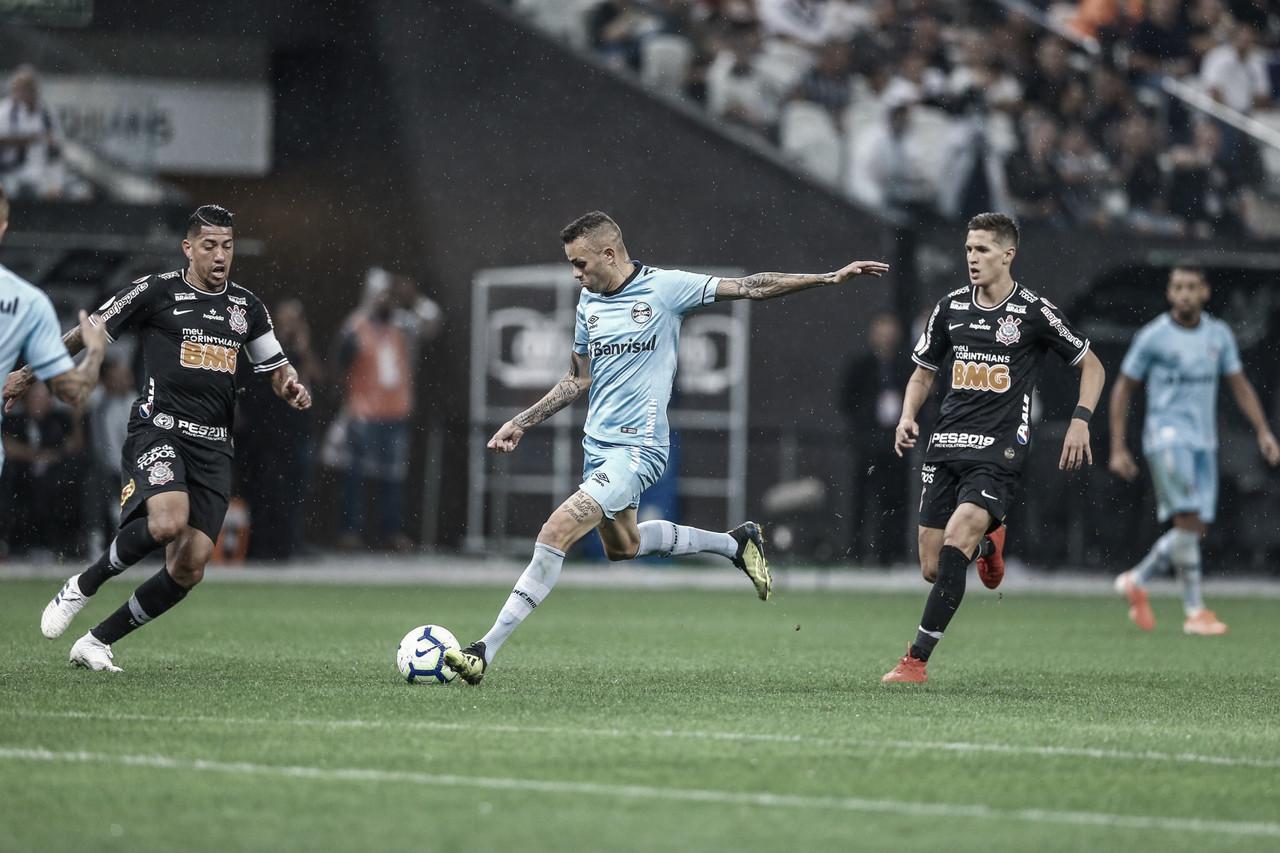 Em jogo truncado, Corinthians e Grêmio ficam no empate em Itaquera